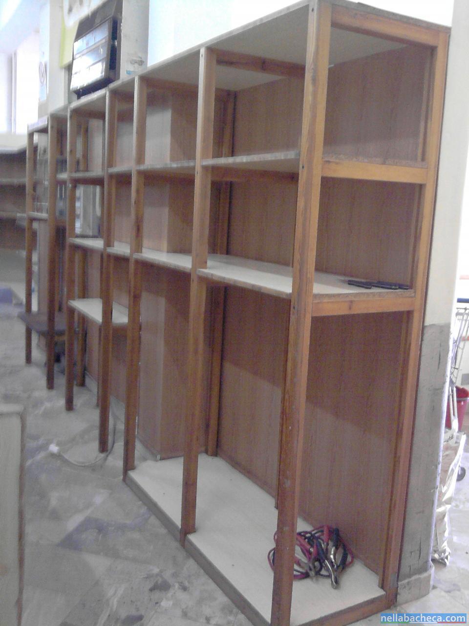 scaffalatura in legno per negozio di alimentari sicilia