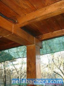 Tettoia  in legno con copertura in legno
