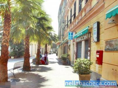 (A48.74)Nel pieno centro storico di Albissola Marina