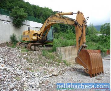 Vendesi escavatore Case Poclain