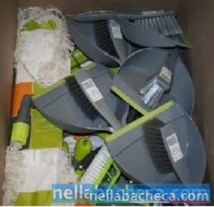 Vendesi stock articoli vari per la pulizia della casa