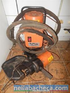 Vendesi punzonatrice idraulica
