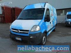 Vendesi autocarro Opel Movano