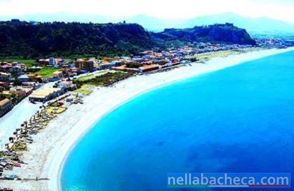 Milazzo affitto appartamento al mare, 84mq settimanalmente, 40 metri dalla spiaggia.