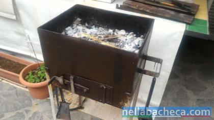 Fornacetta  in ferro a carbonella  (non di lamiera)